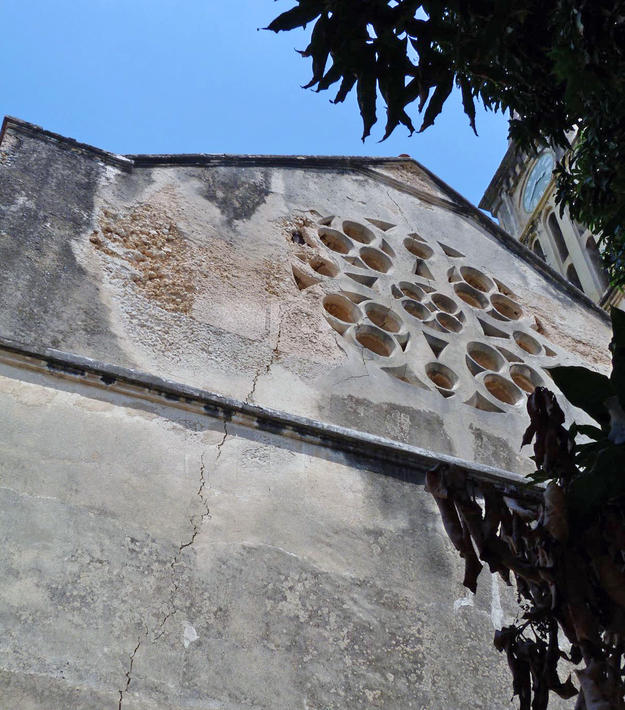 The Rose window before preservation, 2012