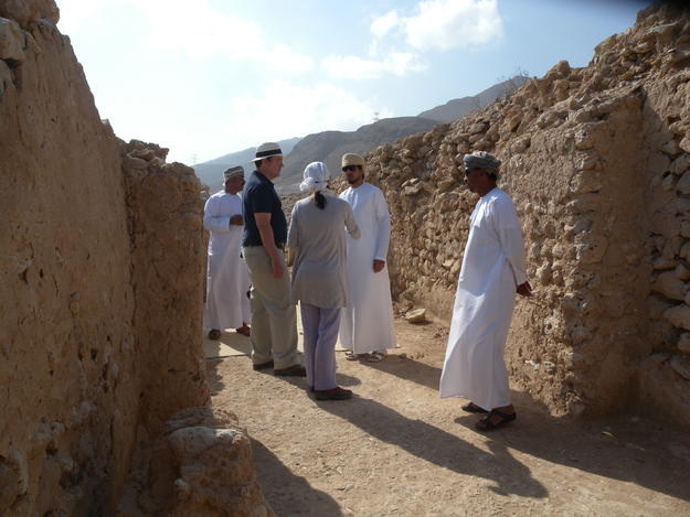 Ministry of Heritage and Culture officials visit conservation at the Great Friday Mosque, 2018