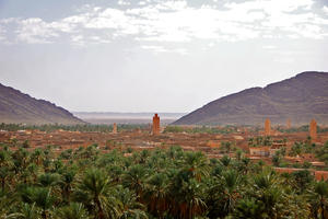 View over the Ksar Zenaga, one of Figuig's seven fortified districts, with Algeria in the distance, 2009