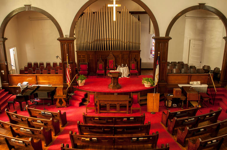 The sanctuary of First Baptist Church in Montgomery, Alabama. Photo by Billy Brown.
