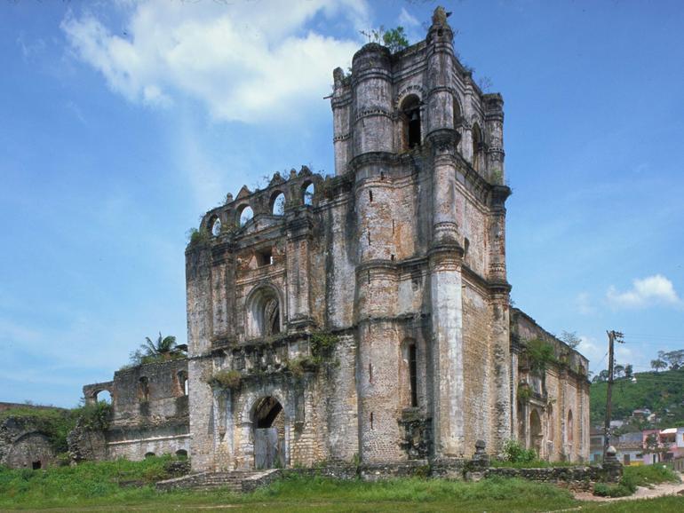 Exterior of the Dominican convent of Santa Domingo de Guzmán, before conservation.