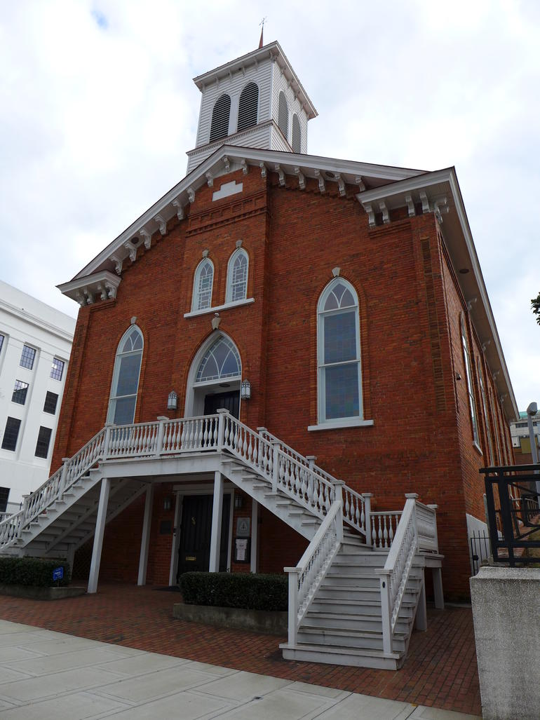 The exterior of Dexter Avenue King Memorial Baptist Church in Montgomery, Alabama.