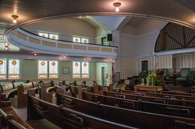 The significant Classical Revival interiors of Tabernacle Baptist, executed by African American architect David T. West (a congregation member) in 1922. Photo by Billy Brown.
